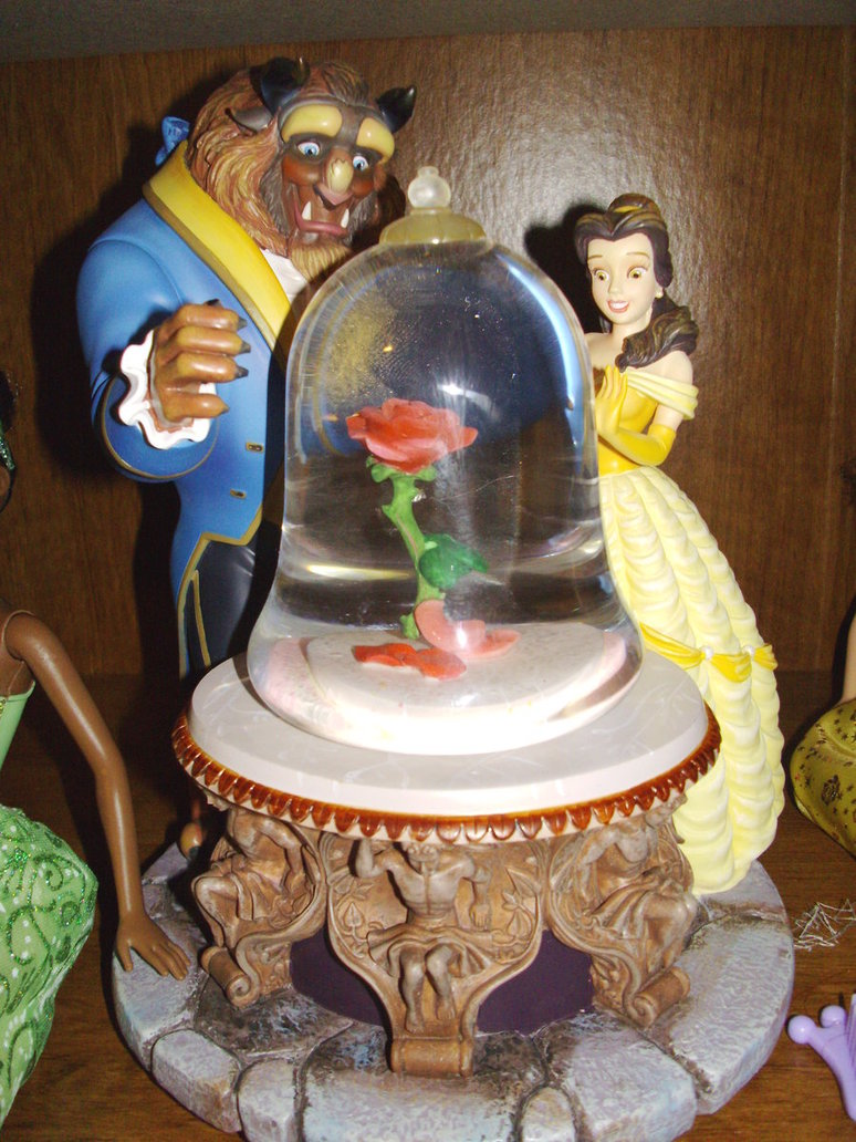 Beauty And The Beast Enchanted Rose Musical Snow Globe 1991